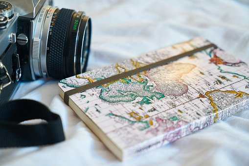 map with camera-make your travel wow!