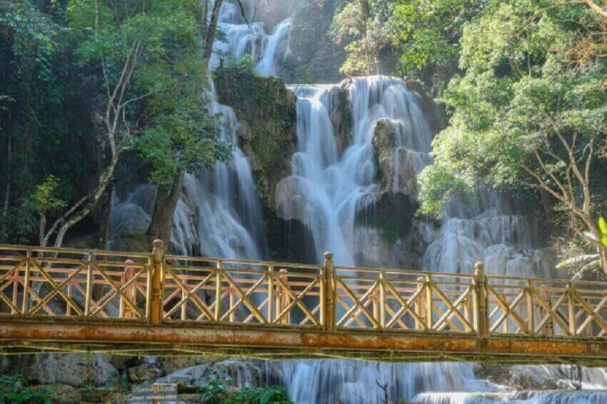 cheap-travel-places-Laos